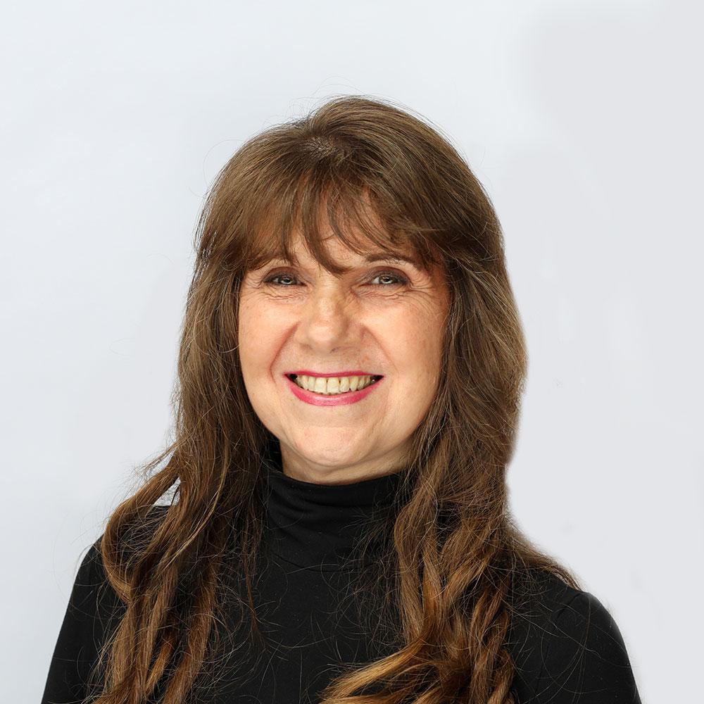headshot of Carol Intartaglia